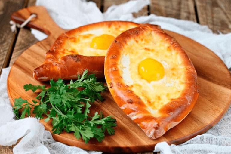 Хачапури – национальное блюдо грузин.